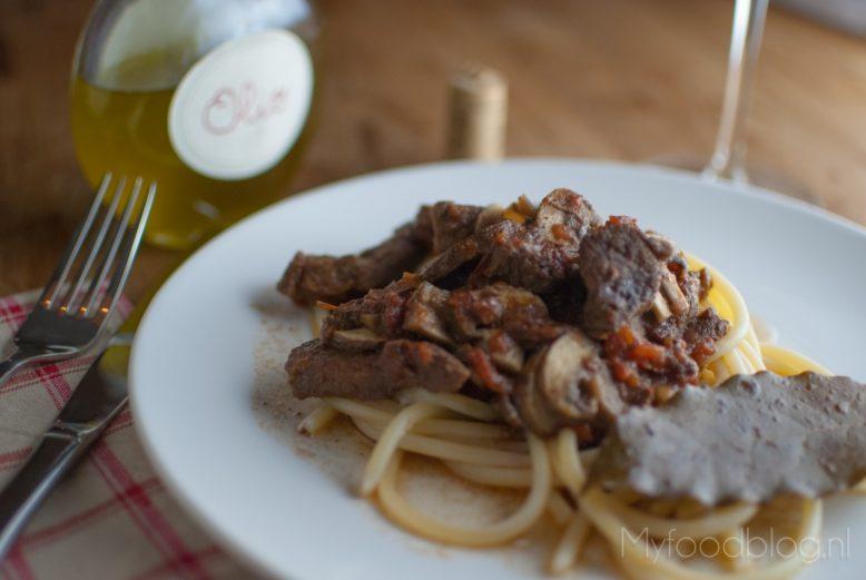 Pasta met Italiaans stoofvlees