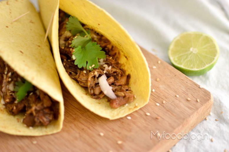 Mexicaanse wraps met biergekookte kippendijen