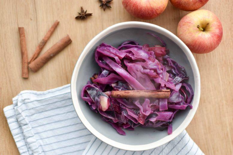 rode kool - recept met appel en rozijnen