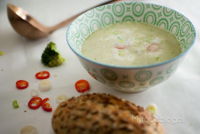 broccolisoep met Aziatisch tintje