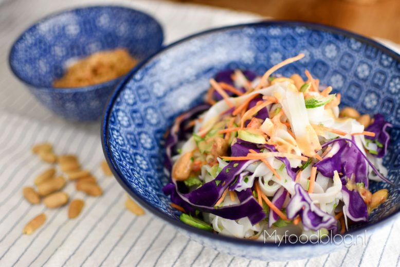 vegan noodle salade met pinda dressing