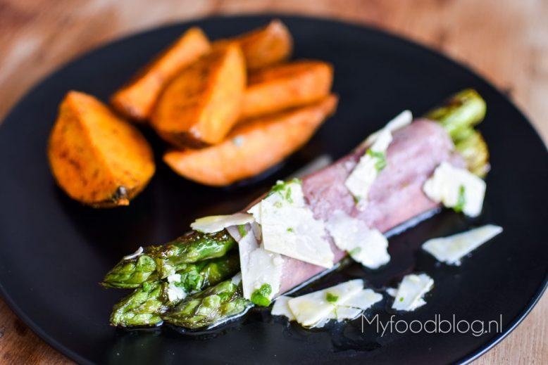 groene asperges met ham (pastrami)