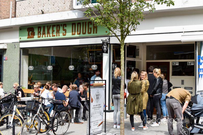 buiten bij Baker's Dough